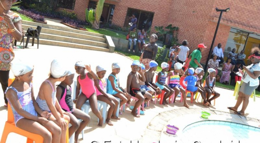 Entebbe Junior Cambridge Swimming Fete009
