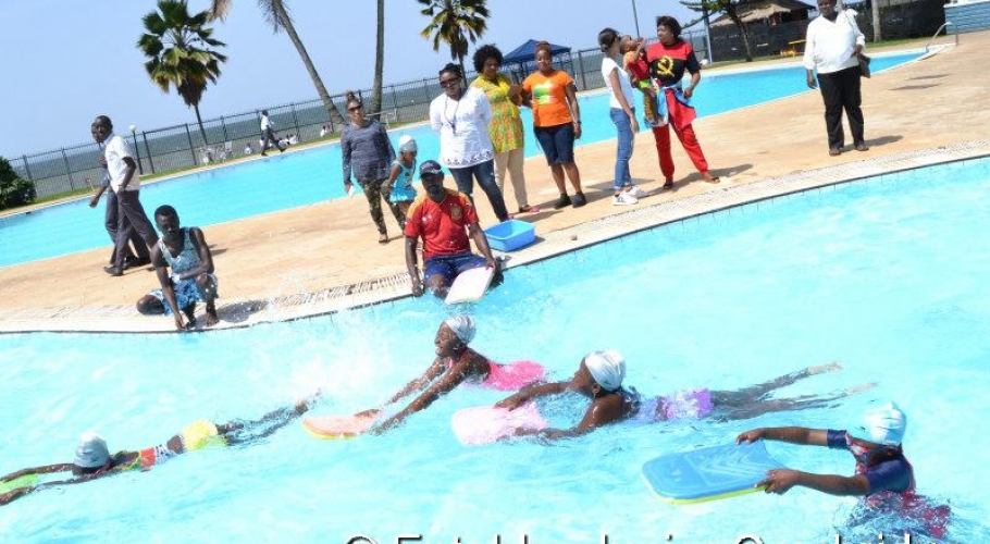 Entebbe Junior Cambridge Swimming Fete012