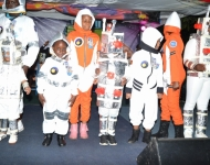 Entebbe Junior -  An Out of This World Christmas Production011